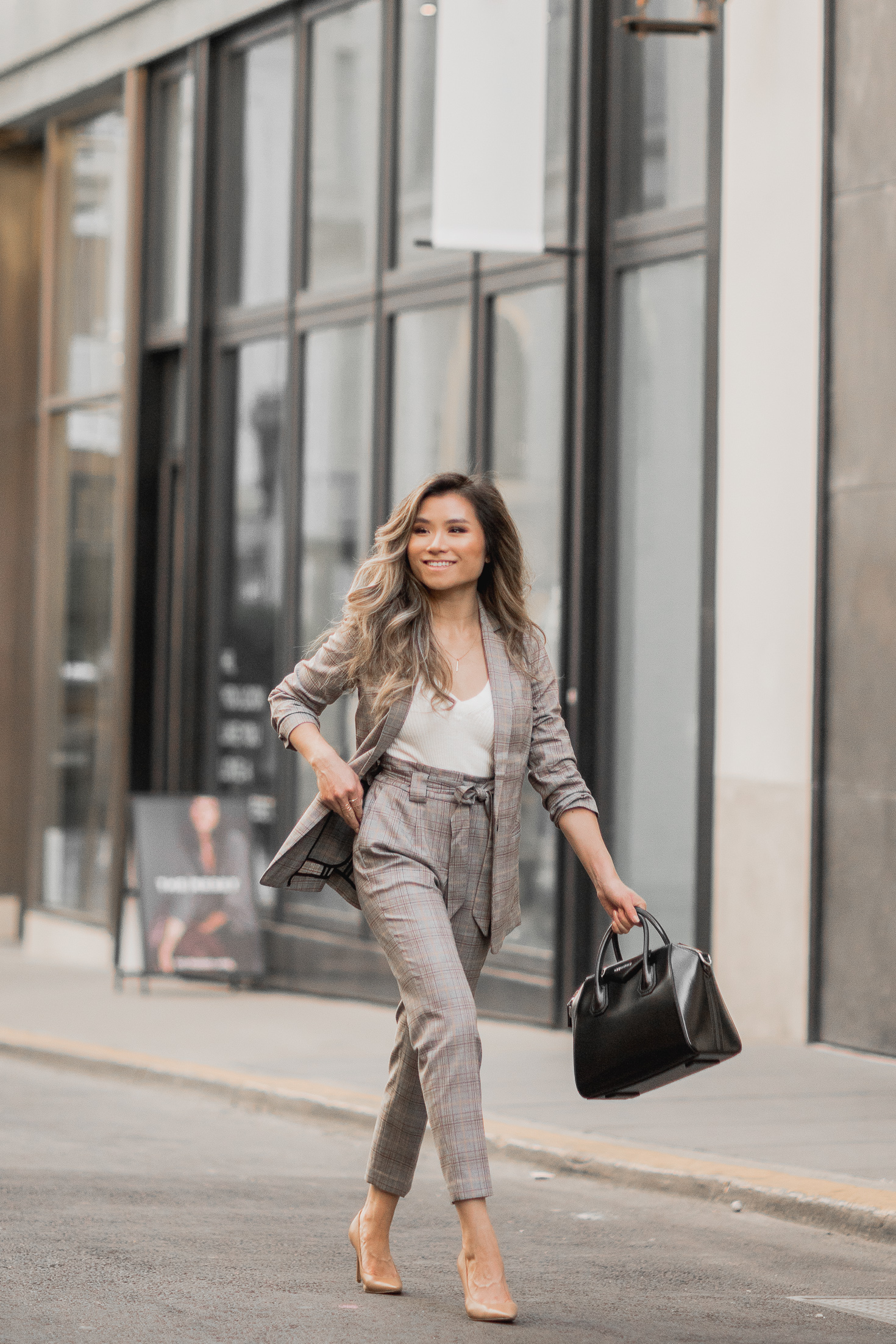 Fashion Blogger Miss Louie wearing fall work outfit with express blazer and pants with Givenchy Small Antigona Bag and Sam Edelman Hazel pumps